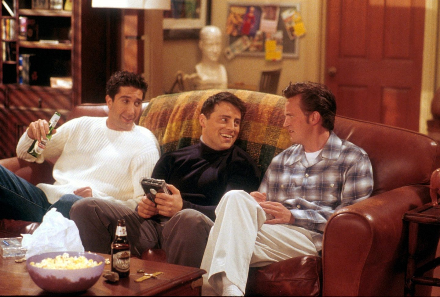 "381455 01: From left to right, David Schwimmer, as Ross, Matt LeBlanc, as Joey, and Matthew Perry as Chandler act in a scene from the television comedy ""Friends"" during the seventh season of the show. (Photo by NBC/Newsmakers)"