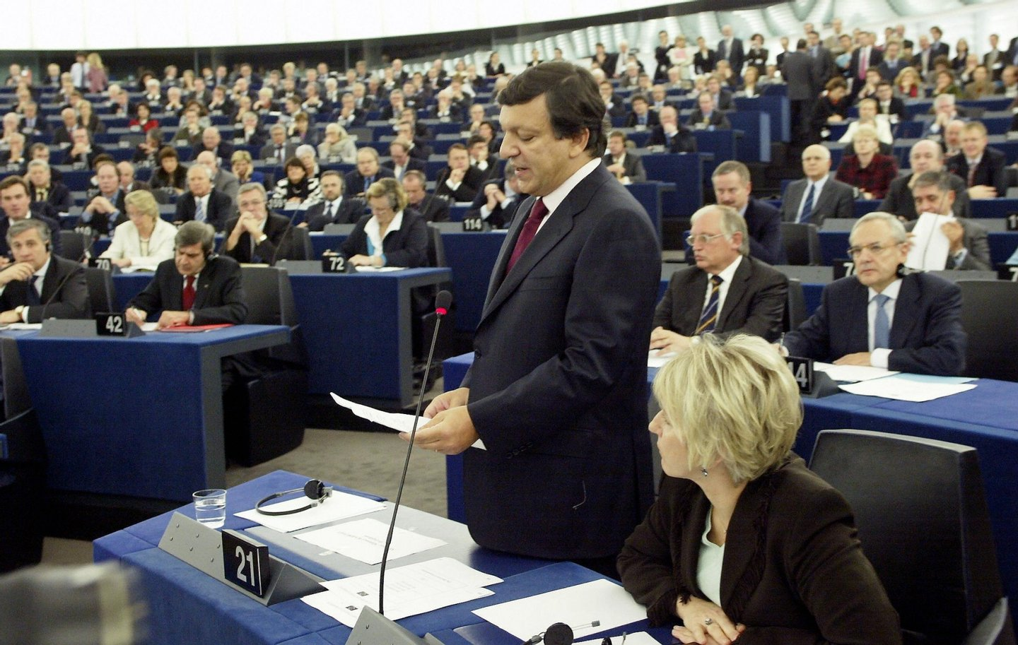 Strasbourg, FRANCE:  European Commission chief Jose Manuel Barroso speaks 27 October 2004 at the European Parliament in Strasbourg. Incoming EU Commission chief Jose Manuel Barroso today withdrew his proposed EU executive team in the face of a veto threat, backing down in a high-stakes standoff with the European Parliament.            AFP PHOTO GERARD CERLES  (Photo credit should read GERARD CERLES/AFP/Getty Images)