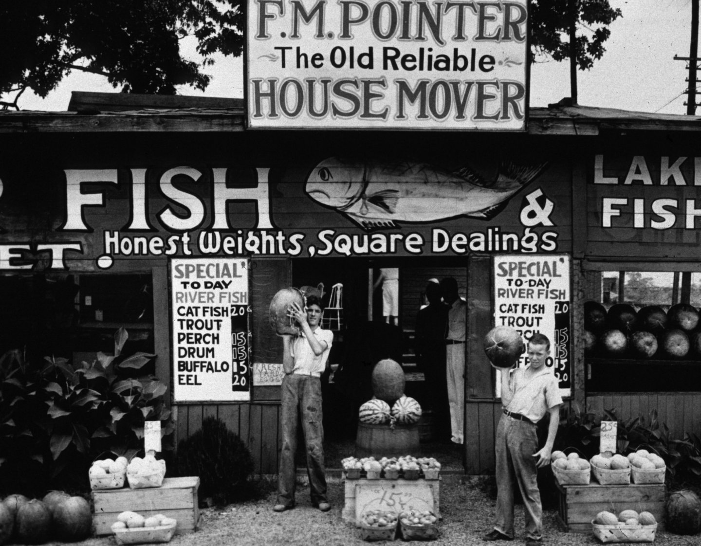 A roadside fish stand near Birmingham, Alabama   (Photo by Walker Evans/Getty Images)