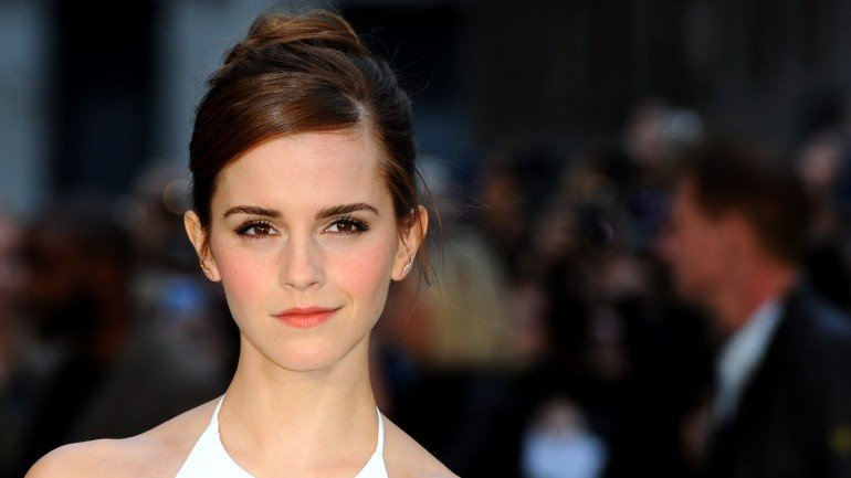 """LONDON, ENGLAND - MARCH 31: Emma Watson attends the UK premiere of """"Noah"""" at Odeon Leicester Square on March 31, 2014 in London, England. (Photo by Anthony Harvey/Getty Images)"""