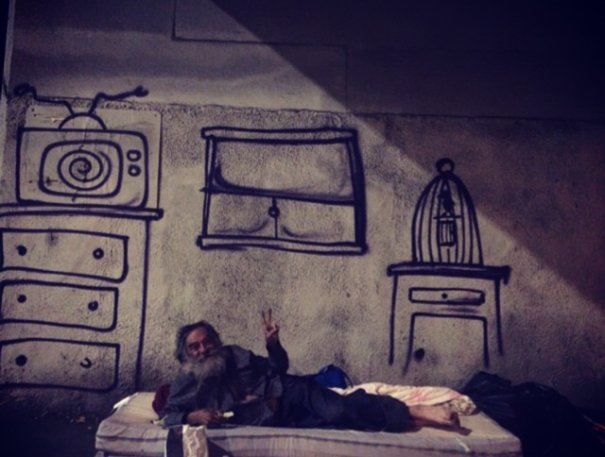 homeless-man-art-interactive-5-605x457