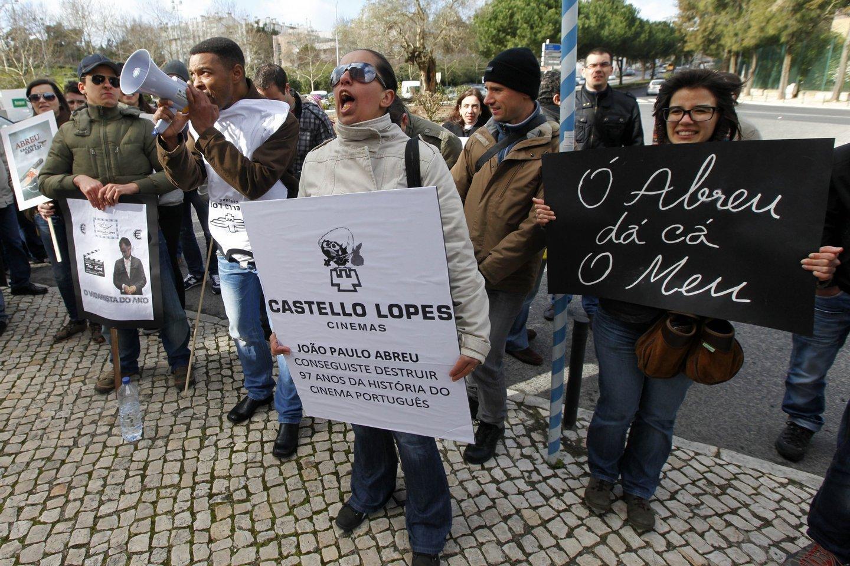 Trabalhadores da Socorama Castello Lopes manifestam-se