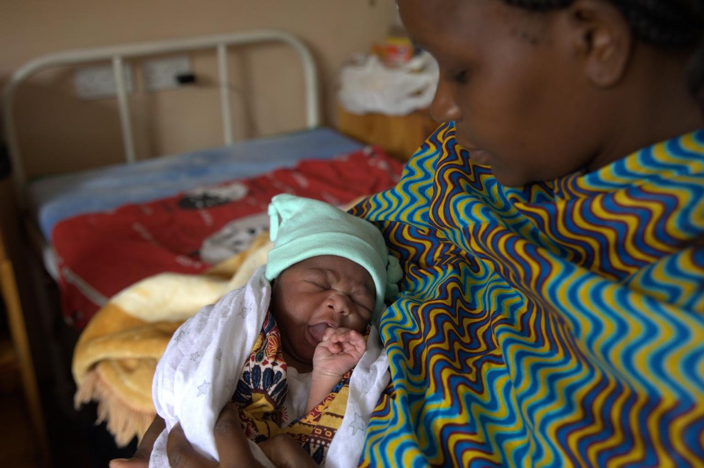 boy, breastfeeding, health centre, infant, Malawi, mother, prevention of mother-to-child transmission,