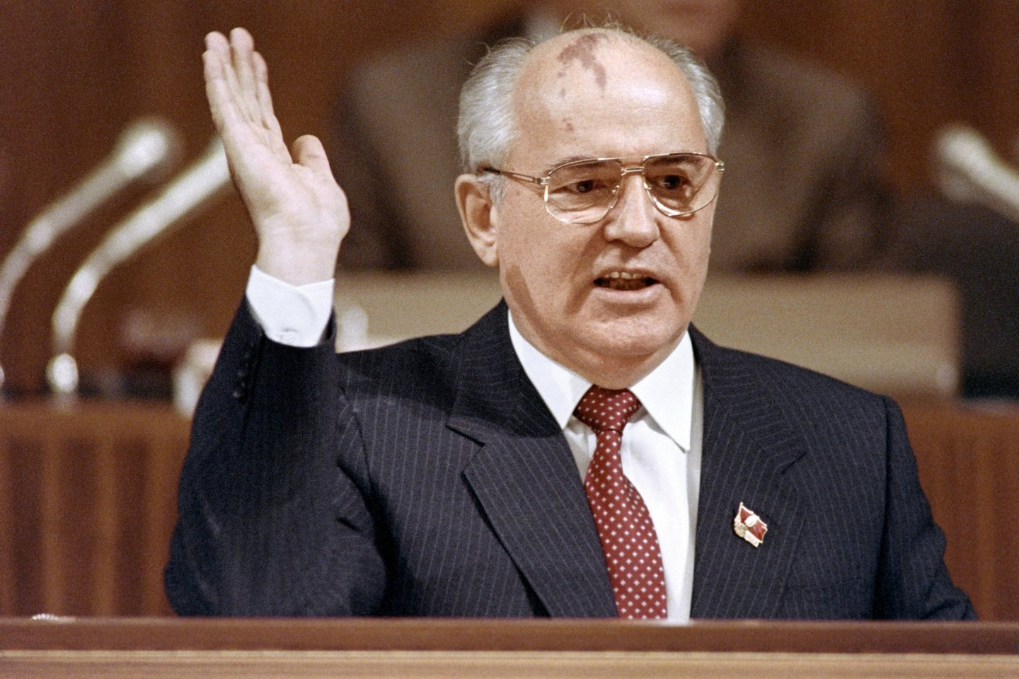 Soviet President Mikhail Gorbachev gestures as he addresses to the 28th Congress Soviet Communist Party (CPSU) in Moscow on July 10, 1990. AFP PHOTO VITALY ARMAND (Photo credit should read VITALY ARMAND/AFP/Getty Images)