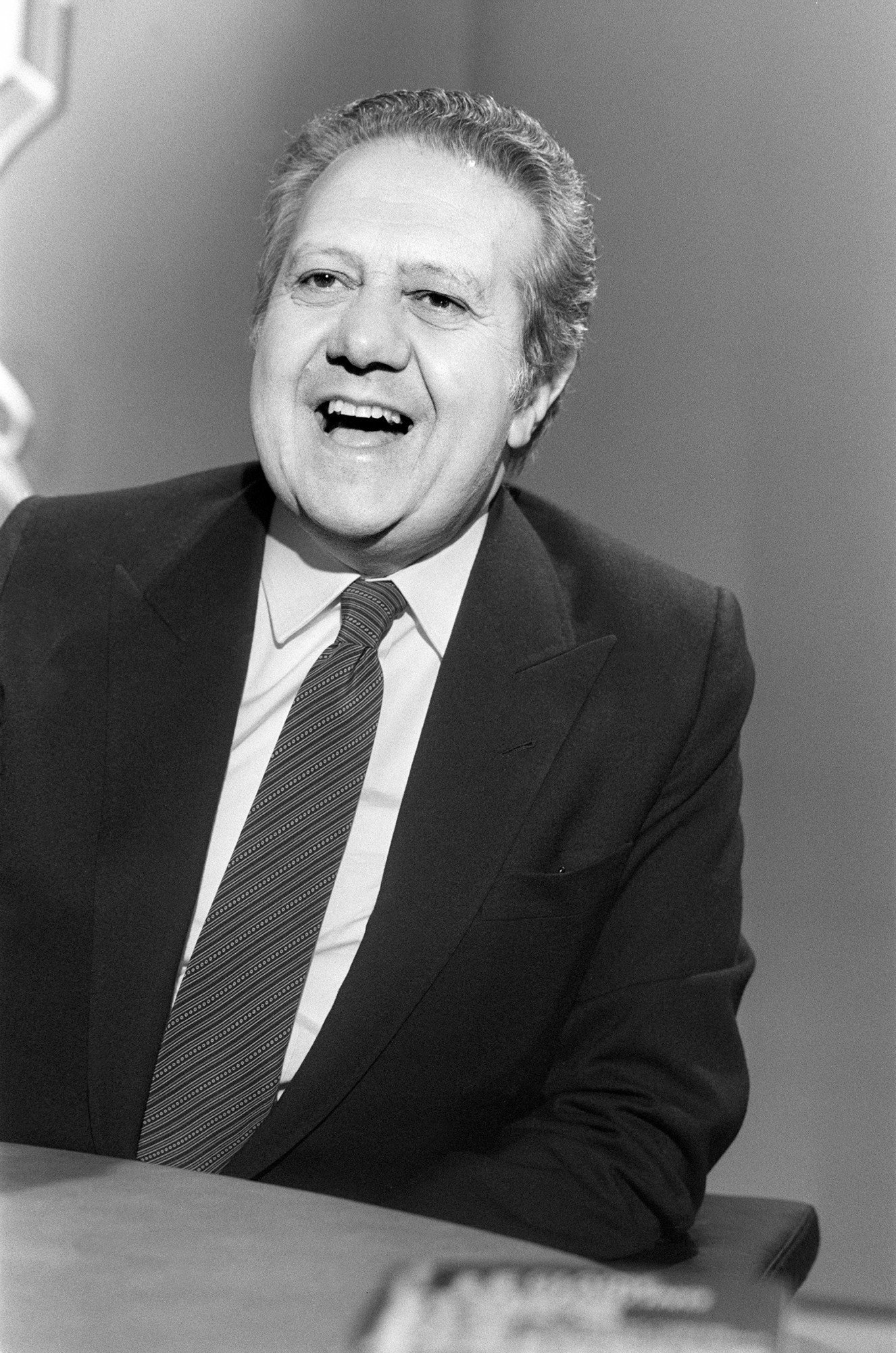 "Portuguese Prime Minister Mario Soares poses during the TV programm ""7/7"" on TF1 channel, on May 6, 1984, in Paris. (Photo credit should read PHILIPPE WOJAZER/AFP/Getty Images)"