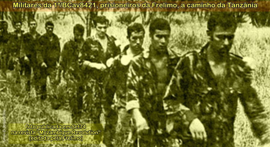 A marcha dos soldados portugueses levados como prisioneiros da Frelimo par a Tanzânia