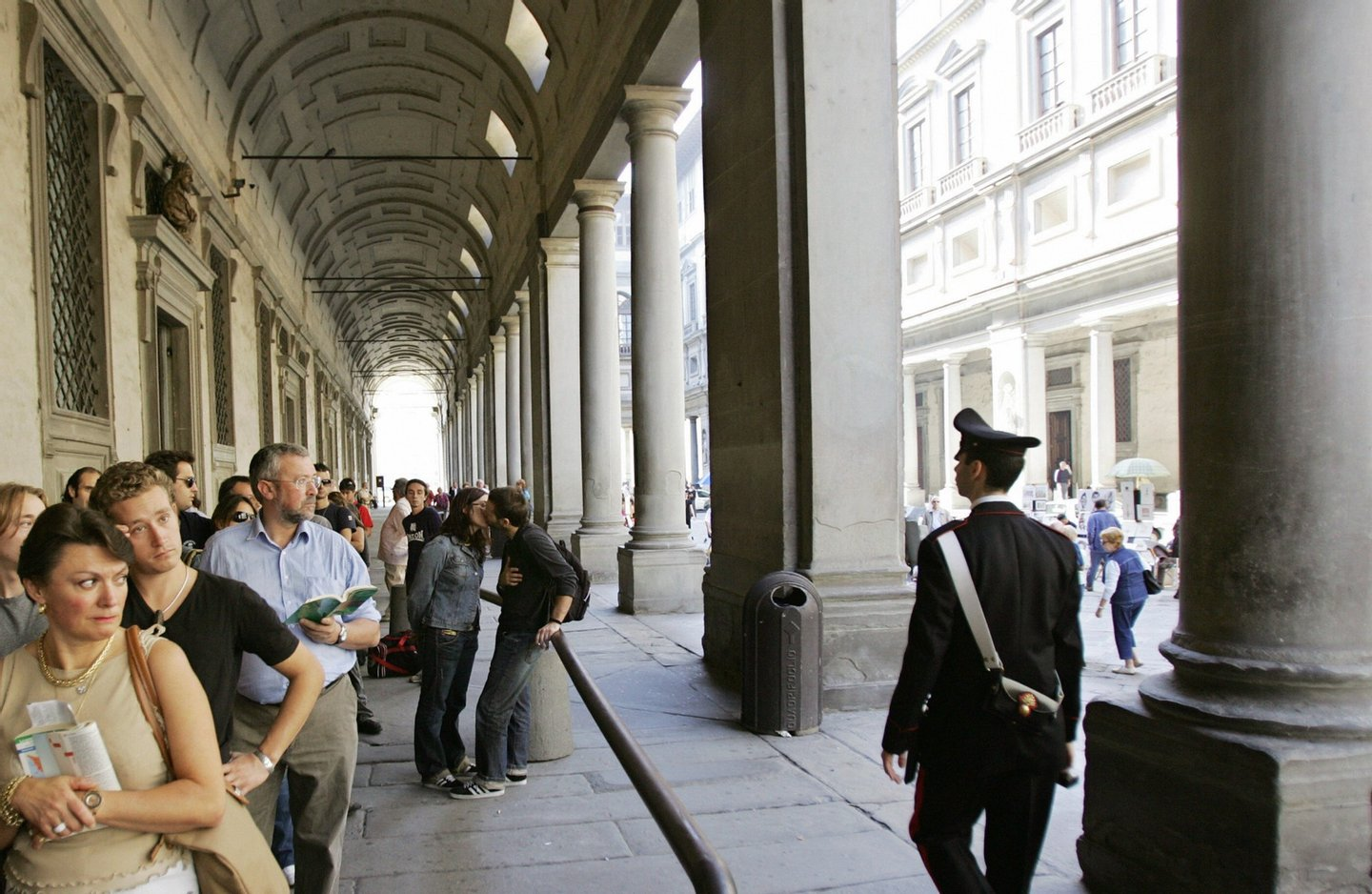 Florence, ITALY:  Picture of the arcades of the Uffizi in Florence, 27 Octobre 2006. The floodwaters from the Arno River swept through the city and killed 87 people and poured tonnes of mud into museums and churches. Art restorers have appealed for money to rescue hundreds of works still caked in mud from floods in Florence 40 years ago. AFP PHOTO / ALBERTO PIZZOLI  (Photo credit should read ALBERTO PIZZOLI/AFP/Getty Images)