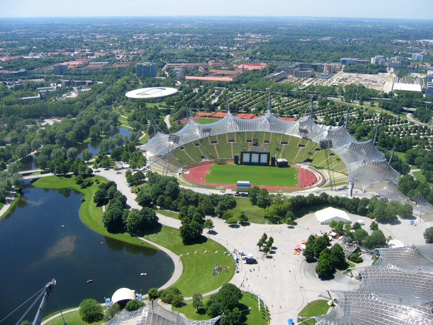 Frei-Otto-Roofing-for-main-sports-facilities-in-the-Munich-Olympic-Park-07