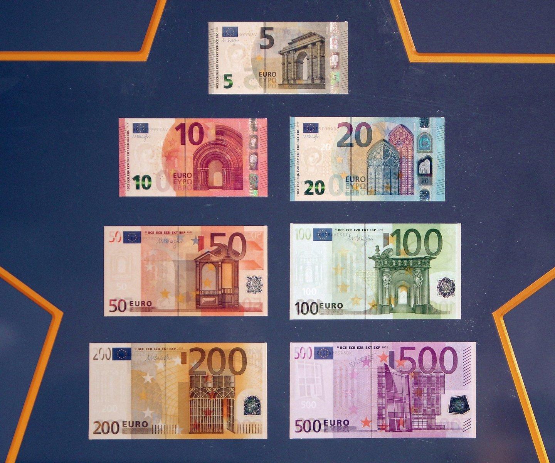 السعر 200 100 Dolar: As Notas De Euro São Uma Longa História