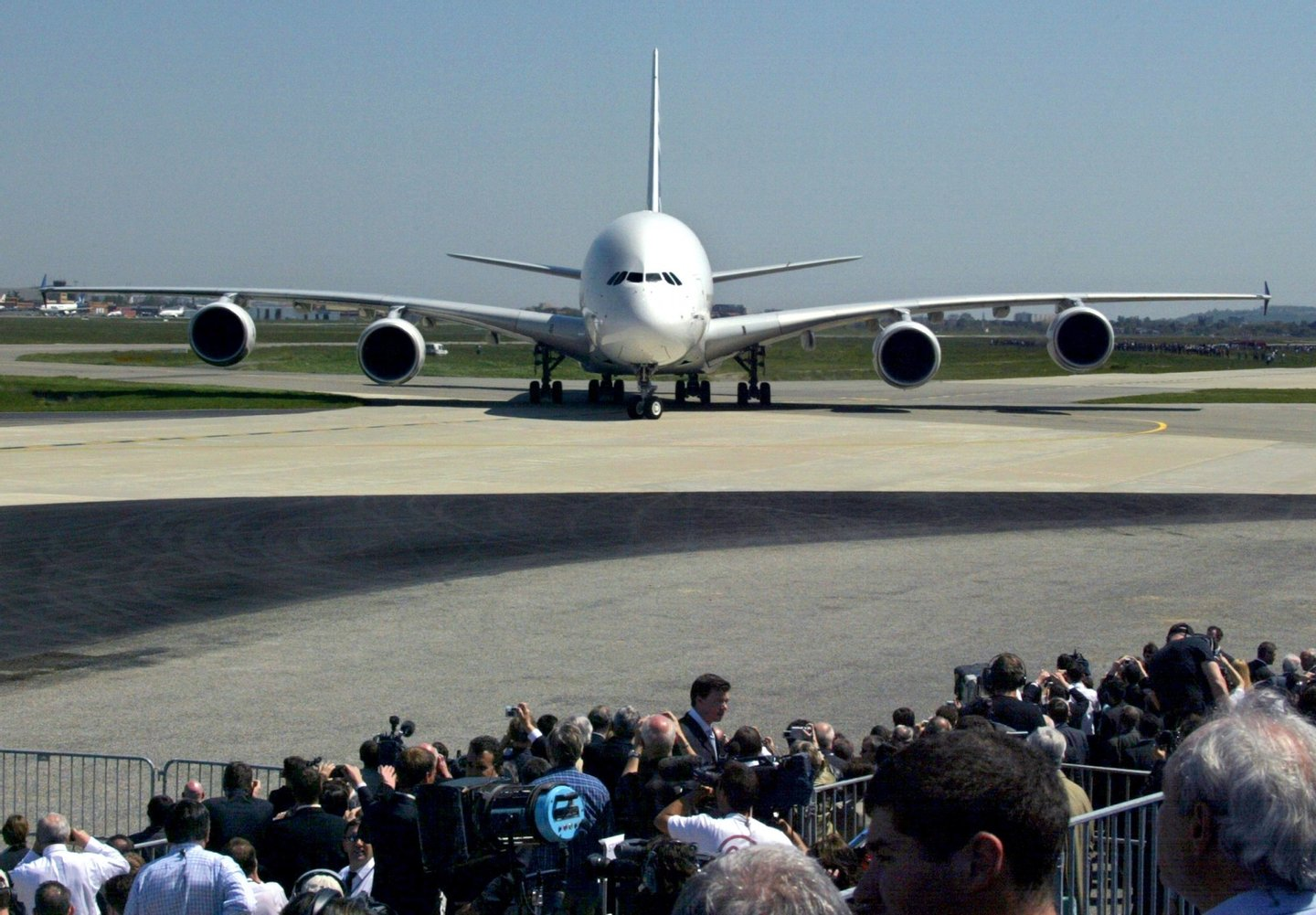 The giant double-decker Airbus A380, the world's largest commercial airliner, lands, 27 April 2005 on the tarmac of Toulouse-Blagnac's airport. In a momentous gamble for Airbus Industries, the European aircraft maker that has punched its way to the top of the civil aircraft industry, the new plane challenges the Boeing 747's long dominance of the jumbo jet market. AFP PHOTO GEORGES GOBET (Photo credit should read GEORGES GOBET/AFP/Getty Images)