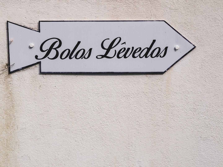 Nas Furnas, siga esta placa. / © Ana Dias Ferreira / Observador