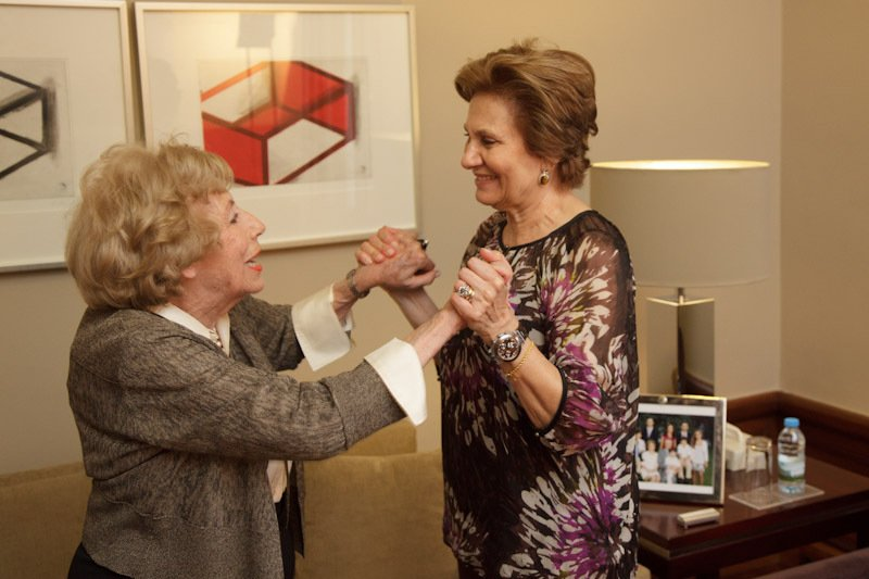 A escritora Isabel da Nobrega, em 2011, com a Primeira -dama Maria Cavaco Silva