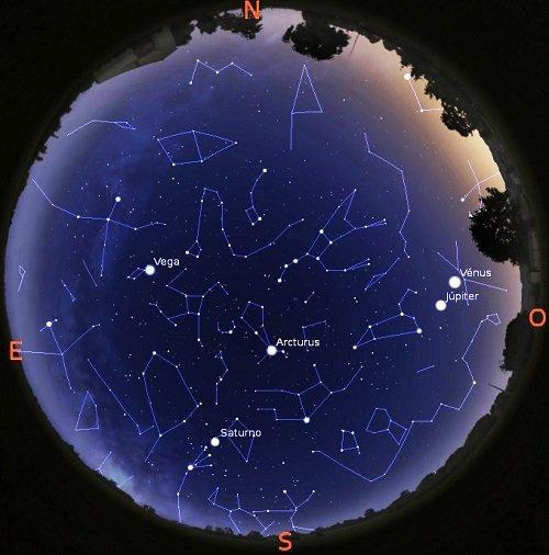 Vénus e Júpiter veem-se a oeste na constelação Leão (céu de 17 de junho, às 22 horas) - OAL/FCUL