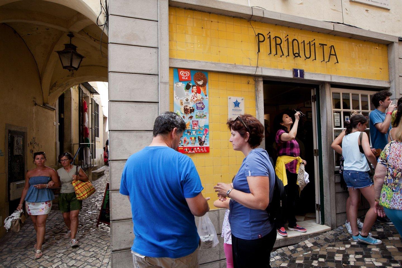 Sintra, 04/09/2014 - Reportagem na Pastelaria Piriquita, para a página das empresas - 150 anos DN. Na foto: entrada da Pastelaria Piriquita. (Carlos Manuel Martins/Global Imagens)
