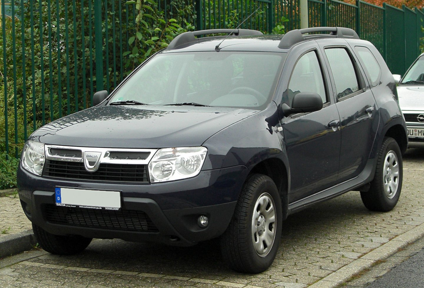 Dacia_Duster_1.5_dCi_front_20100928