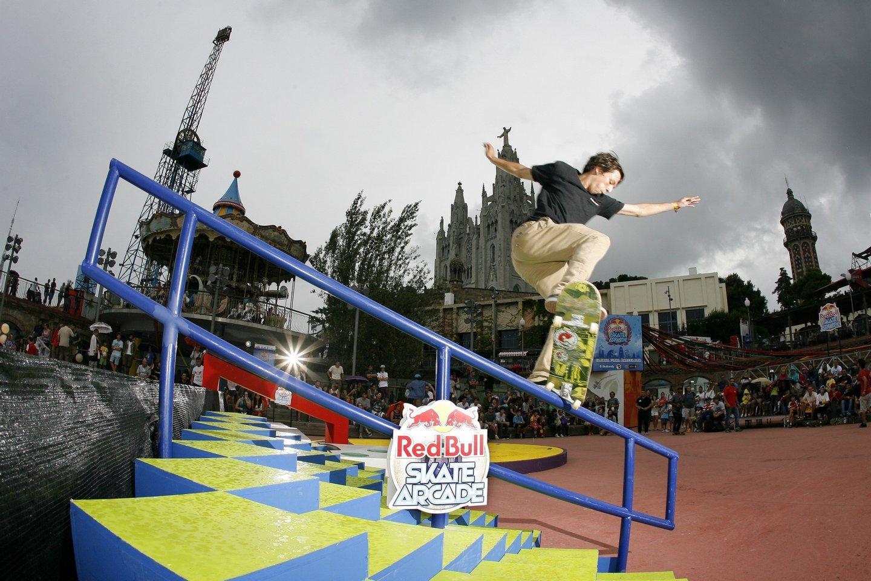 Jorge Simões a deslizar sobre um corrimão no Red Bull Skate Arcade de 2013, em Barcelona. Foto: Alberto Polo / Red Bull Content Pool
