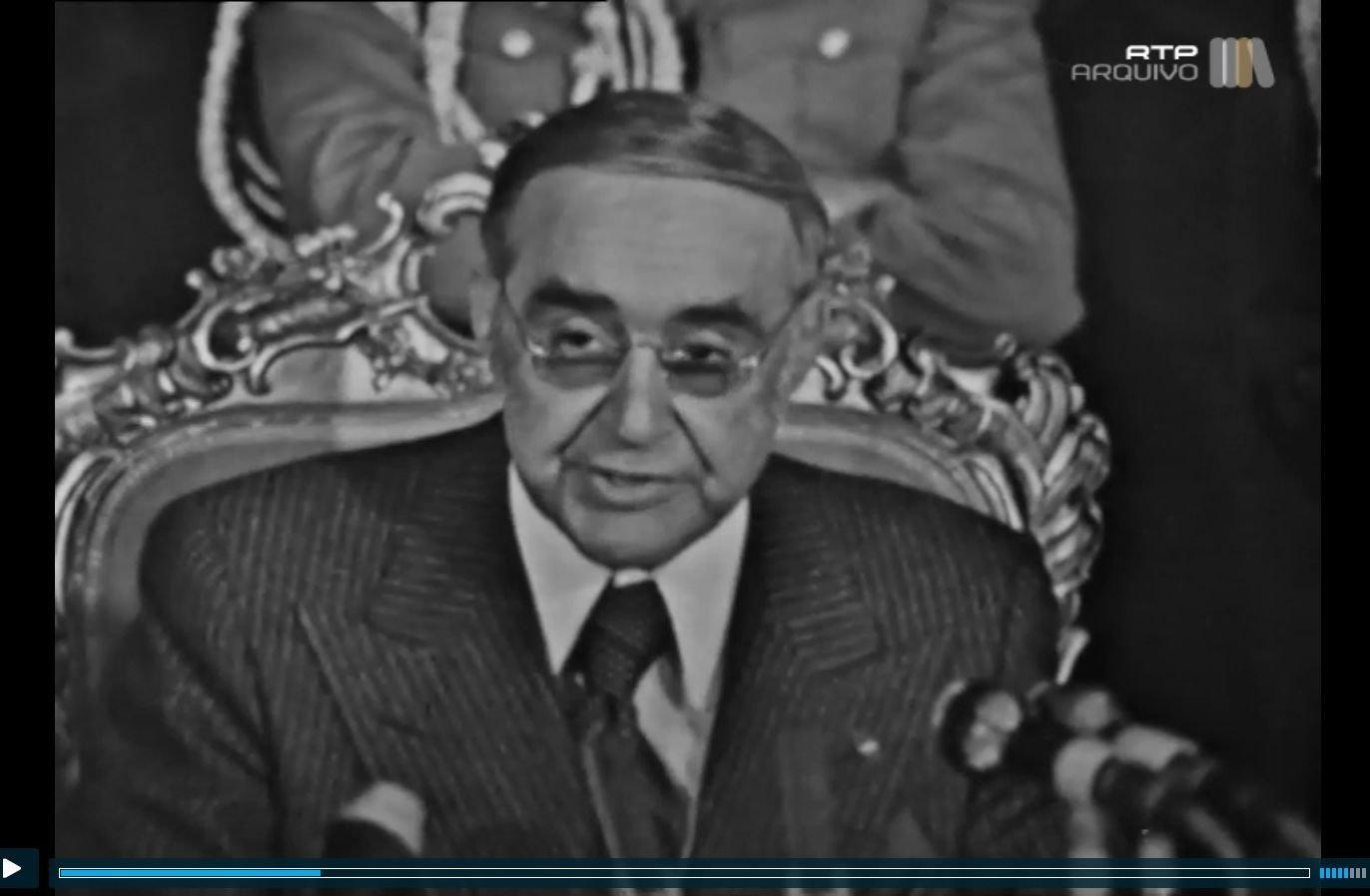 Spínola quando lia o seu discurso de renúncia à Presidência da República