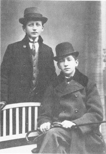 Hermann Ungar e um amigo em 1908. A amizade é o único sentimento puro e verdadeiro nos seus livros