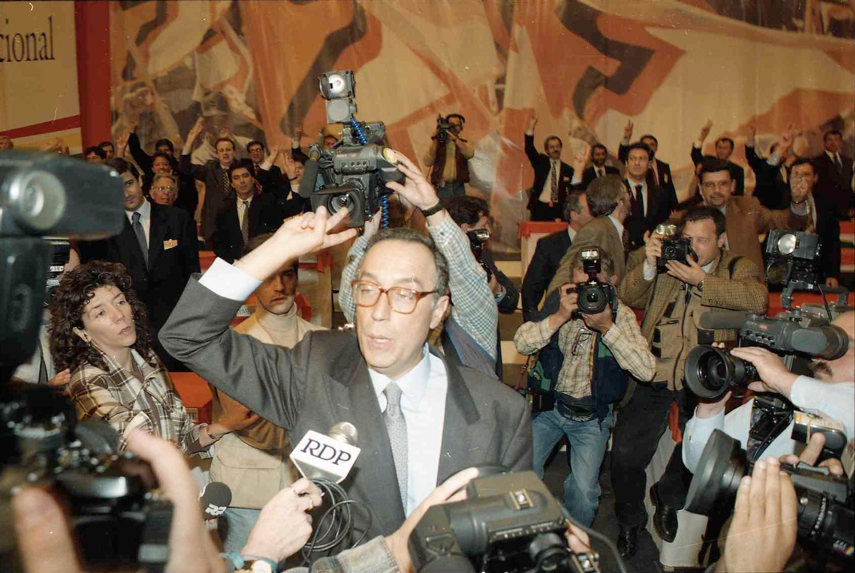 No XVIII Congresso Nacional do PSD, em Santa Maria da Feira, Marcelo Rebelo de Sousa foi eleito líder do Partido Social Democrata.
