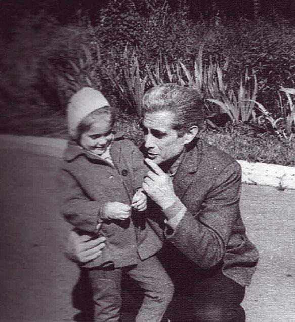 Álvaro Cunhal com a filha Ana, fruto da sua relação com Isaura Moreira, em Moscovo