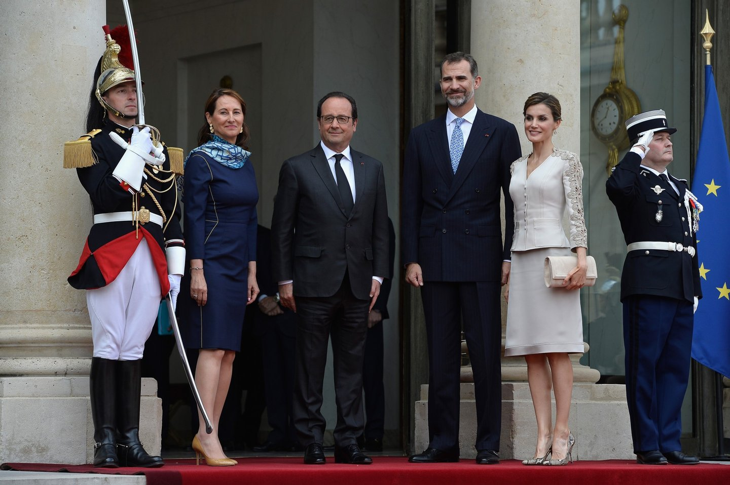 PARIS, FRANCE - JUNE 02: (L-R) French Minister of Ecology Segolene Royal and French President Francois Hollande pose with King Felipe VI of Spain and Queen Letizia of Spain in the courtyard of the Elysee Palace during day 1 of the Spanish Royal couple's state visit on June 2, 2015 in Paris, France. Spain's King Felipe VI and Queen Letizia are on a three-day state visit, which had to be postponed last march following the Germanwings plane crash. (Photo by Pascal Le Segretain/Getty Images)