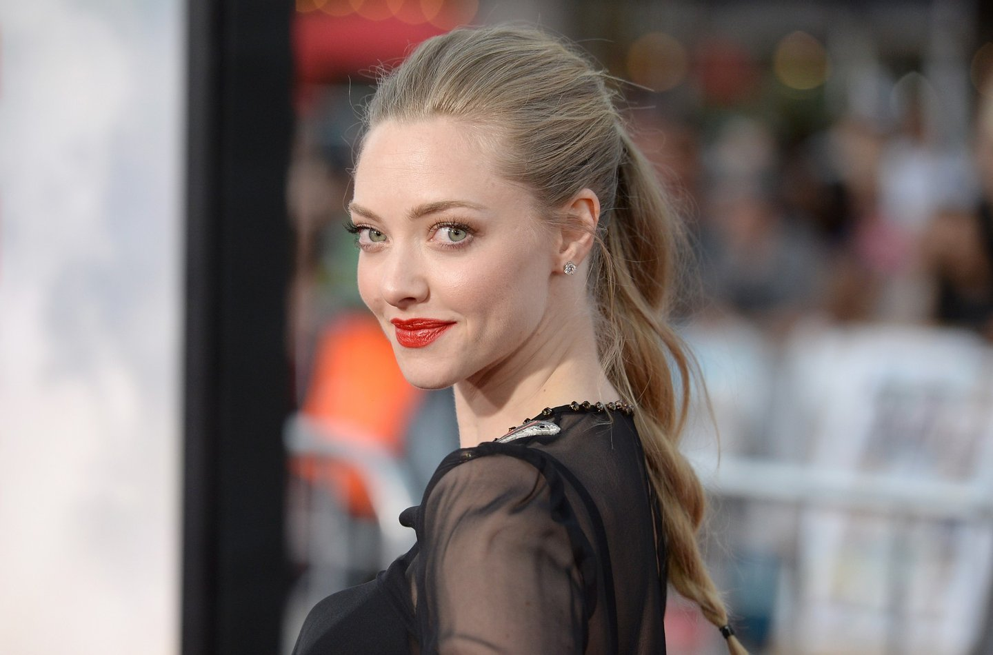 WESTWOOD, CA - MAY 15: Actress Amanda Seyfried attends the premiere of Universal Pictures and MRC's 'A Million Ways To Die at The West' at Regency Village Theatre on May 15, 2014 in Westwood, California. (Photo by Jason Merritt/Getty Images)