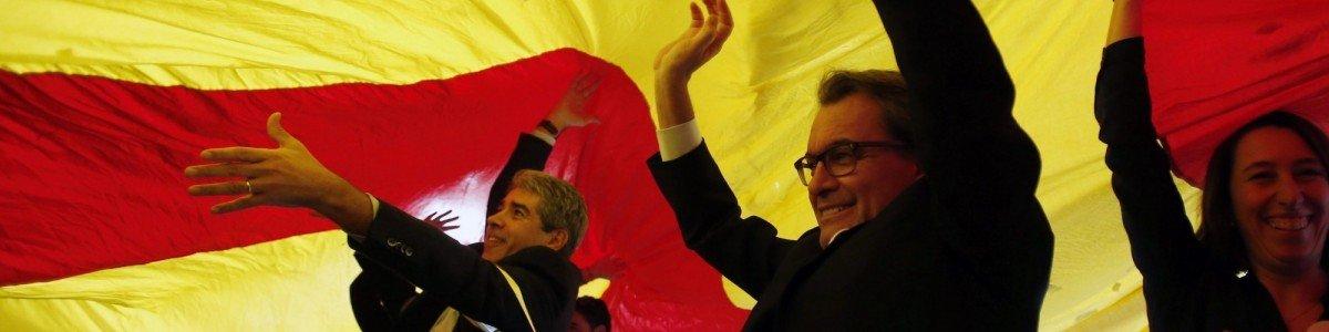 Artur Mas venceu as eleições de 2010 e dessa vez conseguiu formar governo. Agora será obrigado a convocar novas eleições. (JOSEP LAGO/AFP/Getty Images)
