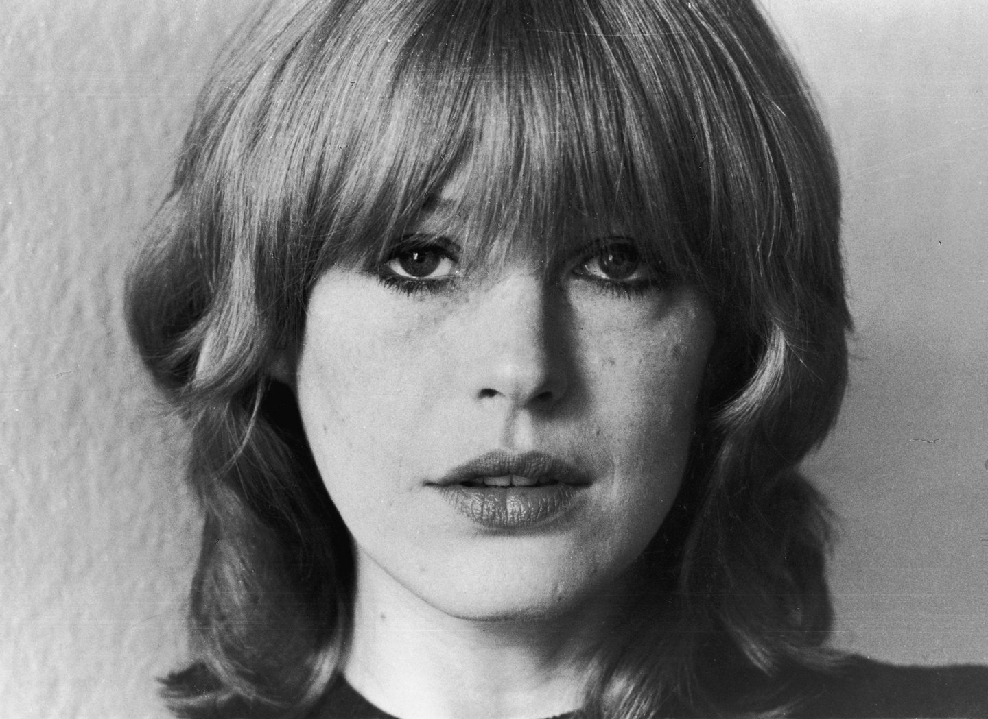 English singer Marianne Faithfull releases her new album 'Faithless', March 1978. (Photo by Evening Standard/Hulton Archive/Getty Images)