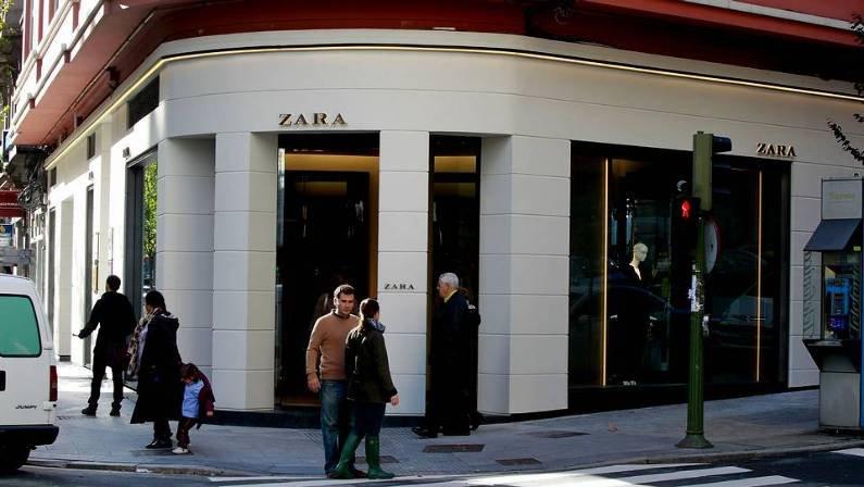 A primeira Zara abriu na Corunha em 1975.