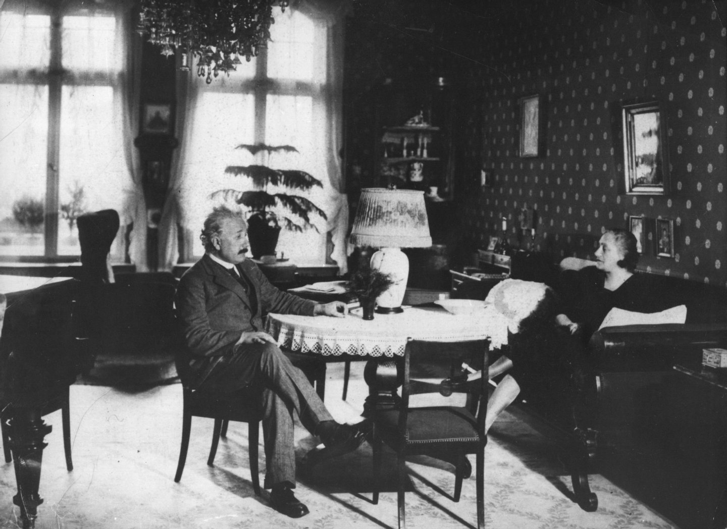 circa 1930: German-Swiss-American mathematical physicist Albert Einstein (1879 - 1955) and his wife Elsa at home near Berlin. (Photo by Keystone/Getty Images)