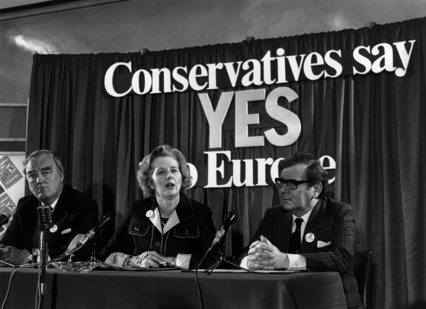 3rd June 1975: British conservative politician, Margaret Thatcher, with William Whitelaw and Peter Kirk at a referendum conference on Europe. (Photo by Keystone/Getty Images)
