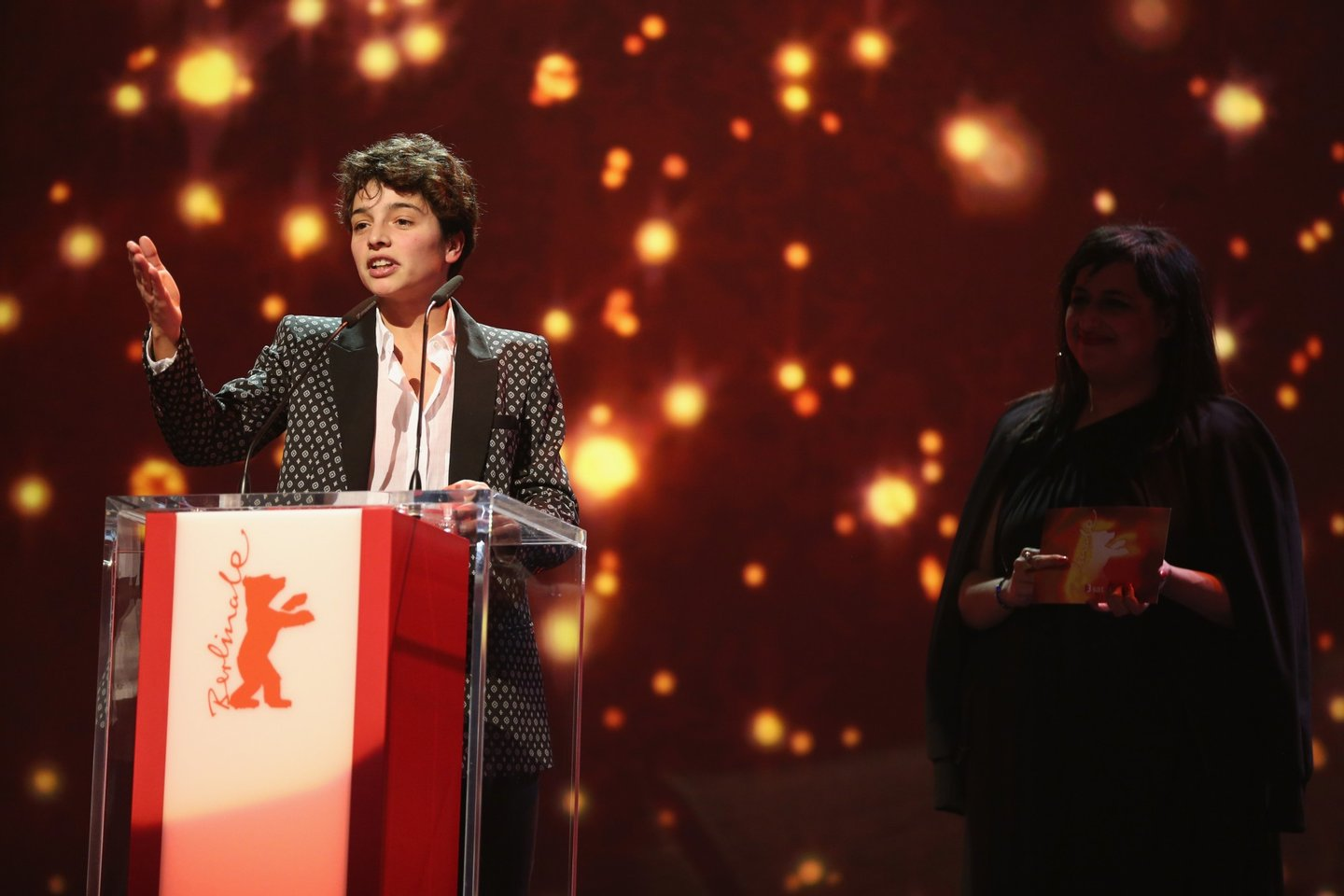 BERLIN, GERMANY - FEBRUARY 20: Director Leonor Teles winner of the Golden Bear for Best Short Film for 'Balada de um Batráquio' speaks on stage during the closing ceremony of the 66th Berlinale International Film Festival on February 20, 2016 in Berlin, Germany. (Photo by Sean Gallup/Getty Images)