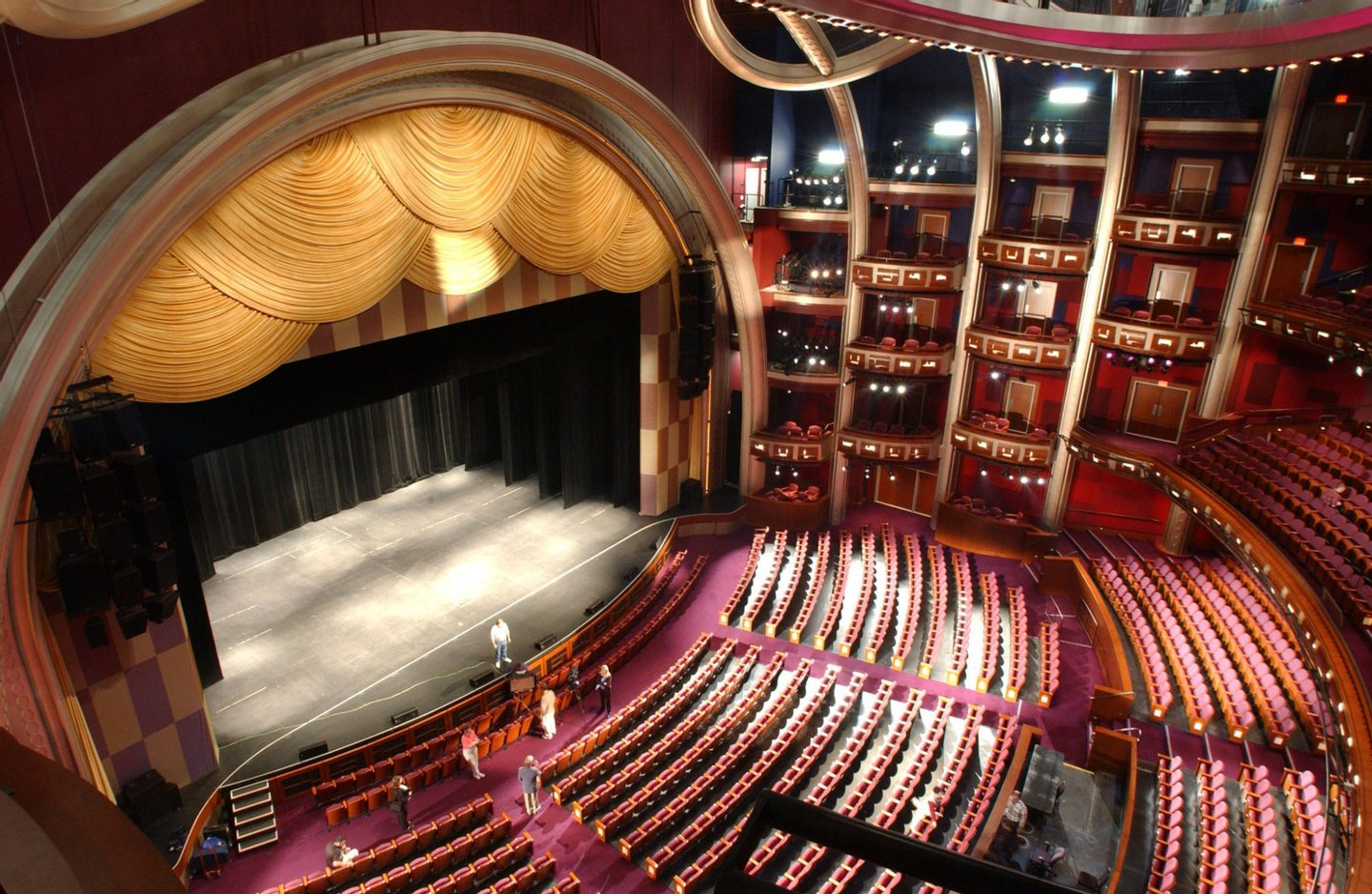 LOS ANGELES, UNITED STATES: The Kodak Theatre is shown from the seats where the Academy Awards guests will sit, in Los Angeles, CA, 06 February 2002. The 180,000 square-foot, 3300-seat theater will host the Oscars for the first time 24 March 2002. AFP PHOTO/Lucy NICHOLSON (Photo credit should read LUCY NICHOLSON/AFP/Getty Images)