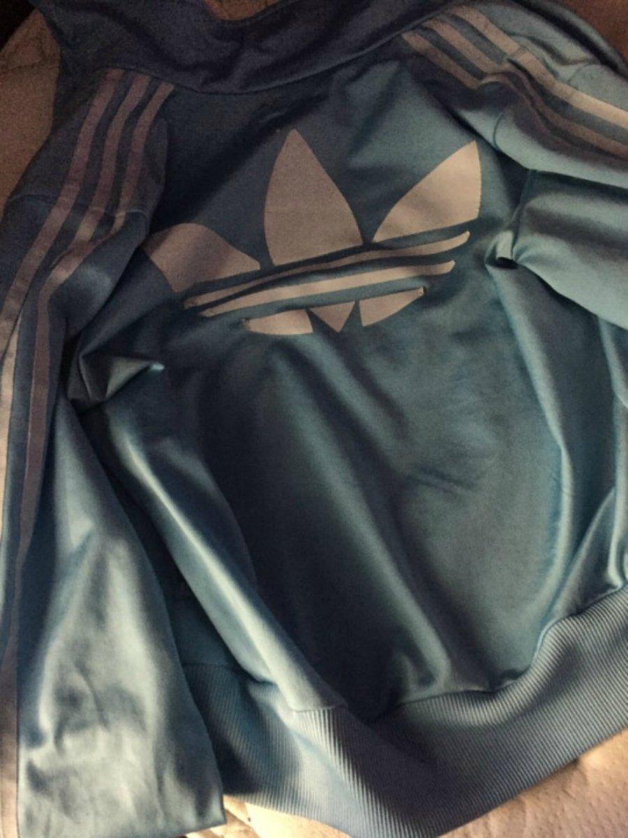 viral. casaco azul e branco cores