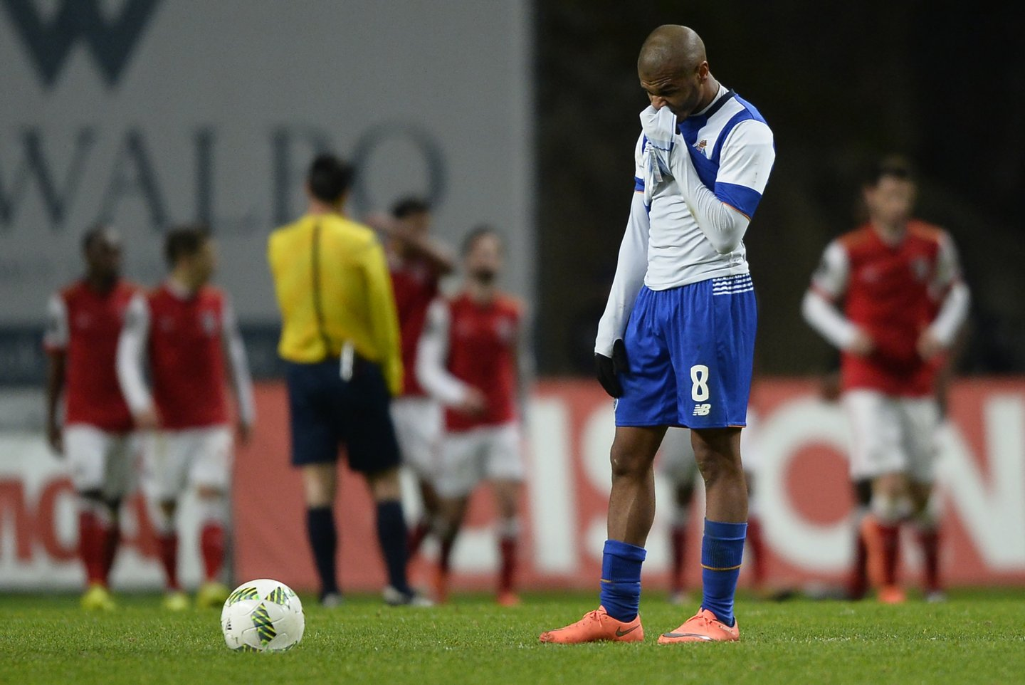 Porto's Algerian midfielder Yacine Brahimi reacts after the third goal scored by Braga during the Portuguese league football match SC Braga vs FC Porto at the AXA stadium in Braga on March 6, 2016. Braga won the match 3-1. / AFP / MIGUEL RIOPA (Photo credit should read MIGUEL RIOPA/AFP/Getty Images)