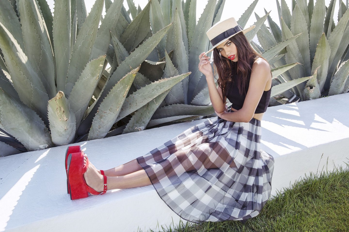 Kendall-Kylie-Lookbook-Spring-27-1800x1200