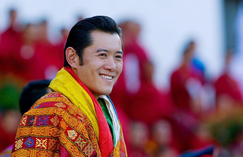 O rei do Nepal, Jigme Khesar Namgyel Wangchuck, tomou posse em 2008, depois de o pai ter abdicado do trono, após três décadas de poder