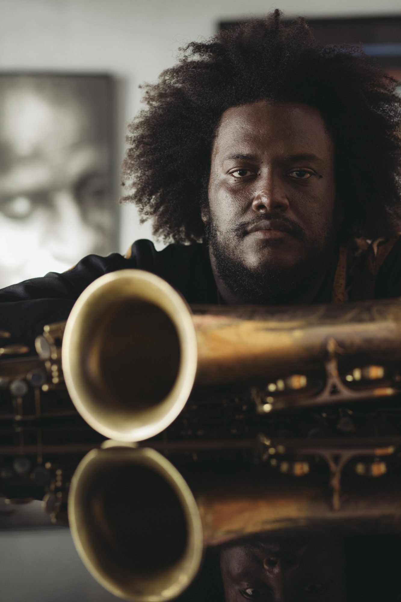 kamasi washingtin with sax