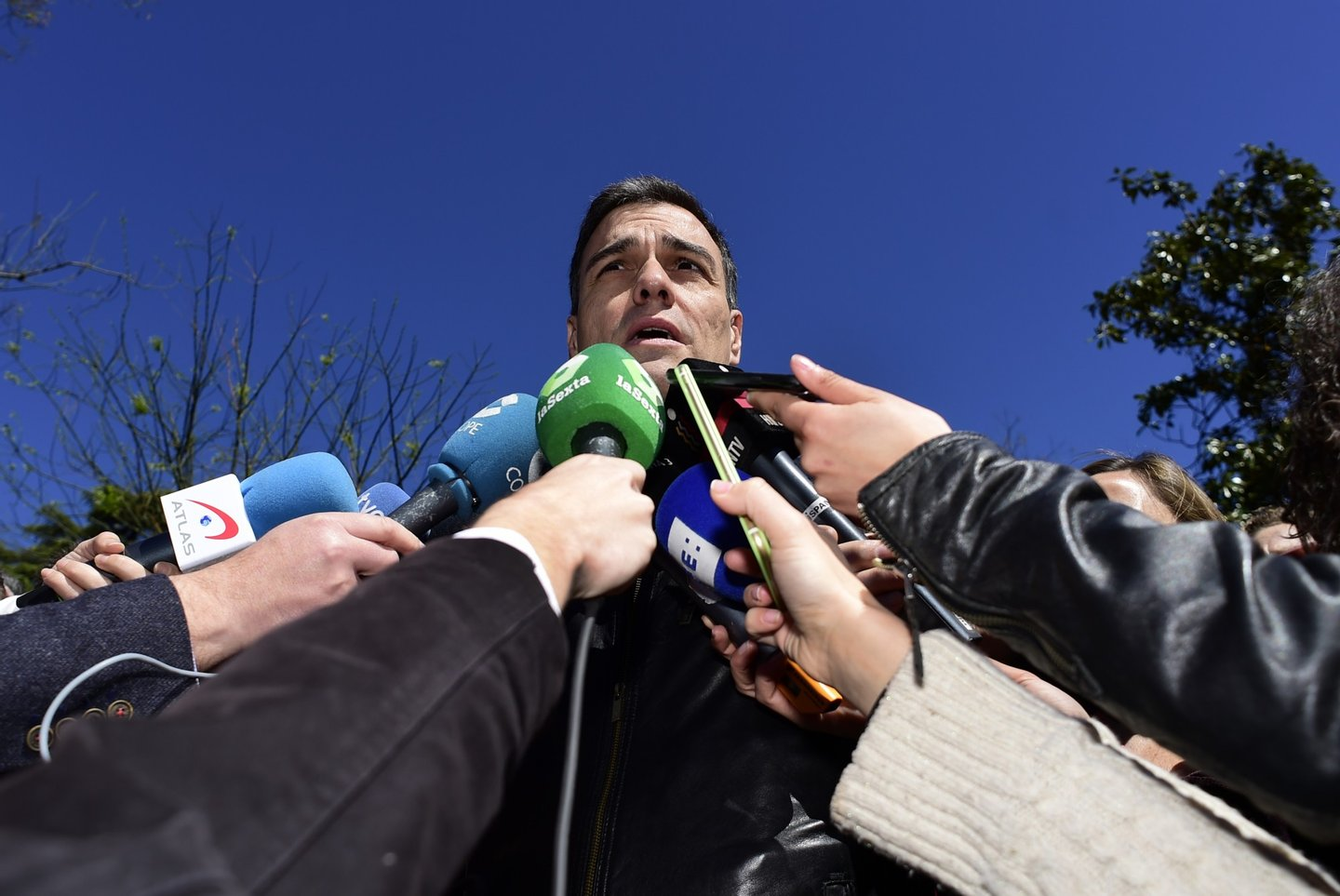 Leader of the Socialist Party (PSOE) Pedro Sanchez speaks to media before the traditional May Day rally in Madrid on May 1, 2016. / AFP / PIERRE-PHILIPPE MARCOU (Photo credit should read PIERRE-PHILIPPE MARCOU/AFP/Getty Images)