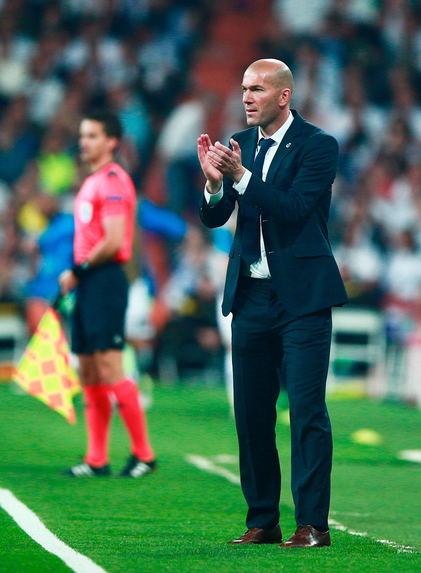 MADRID, SPAIN - MAY 04: Zinedine Zidane the head coach of Real Madrid reacts during the UEFA Champions League semi final, second leg match between Real Madrid and Manchester City FC at Estadio Santiago Bernabeu on May 4, 2016 in Madrid, Spain. (Photo by Gonzalo Arroyo Moreno/Getty Images)