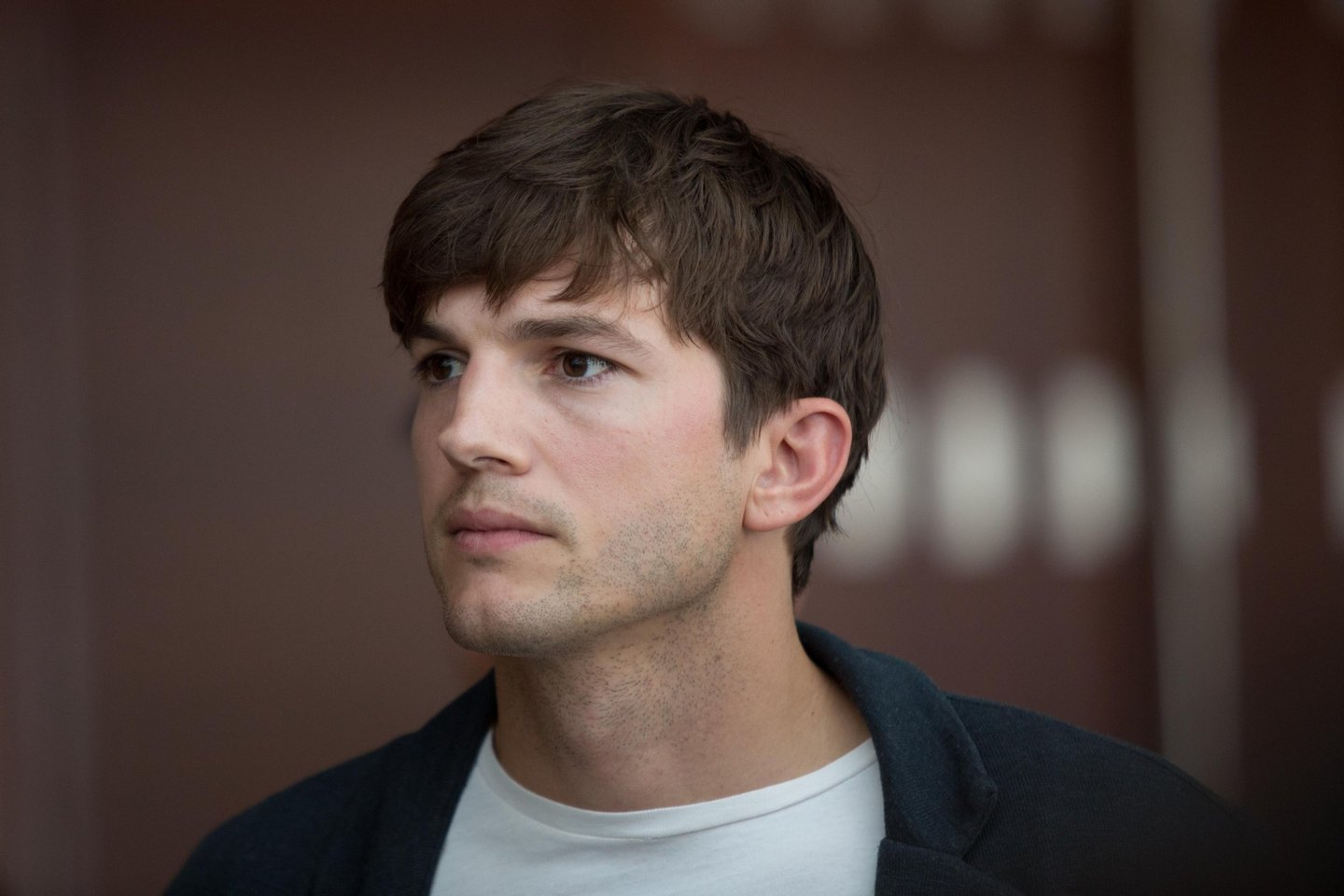 """BEIJING, CHINA - AUGUST 25: (CHINA OUT) Actor Ashton Kutcher attends """"Jobs"""" press conference at National Convention Center on August 25, 2013 in Beijing, China. (Photo by VCG/VCG via Getty Images)"""