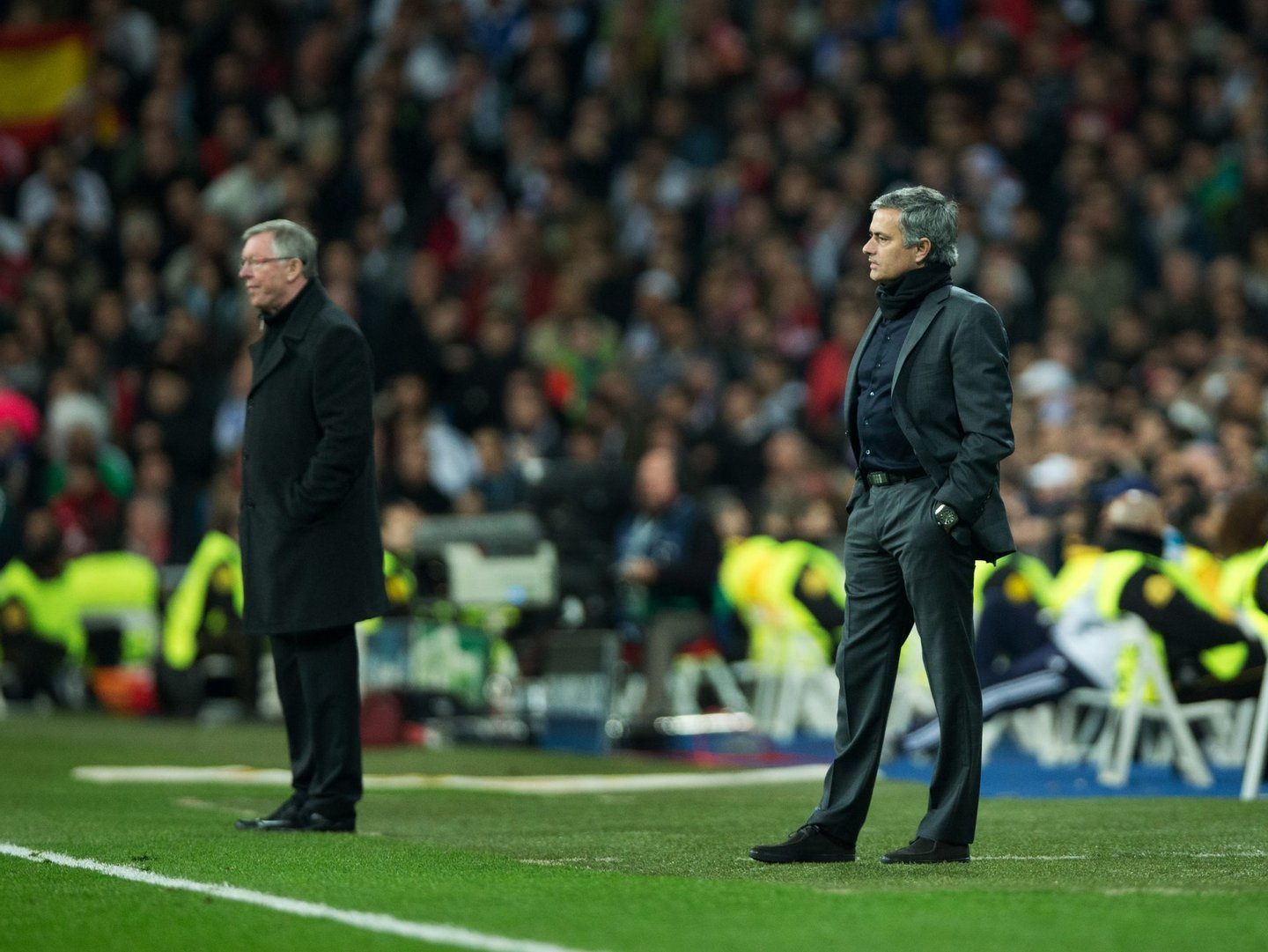 MADRID, SPAIN - FEBRUARY 13: Head coach Jose Mourinho (R) of Real Madrid stands besides Sir Alex Ferguson, manager of Manchester United, during the UEFA Champions League Round of 16 first leg match between Real Madrid and Manchester United at Estadio Santiago Bernabeu on February 13, 2013 in Madrid, Spain. (Photo by Jasper Juinen/Getty Images)