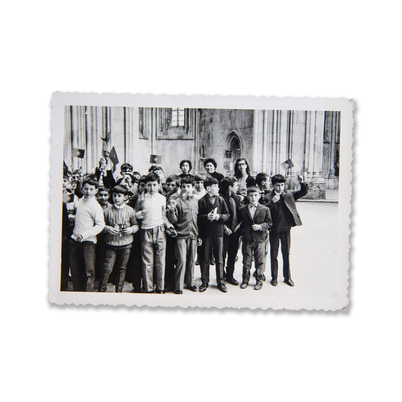 Mário Nogueira (à frente na ponta direita) numa visita de estudo com a escola (D.R.)