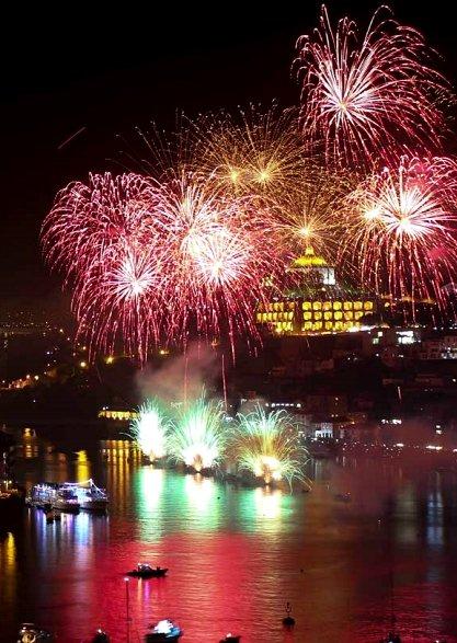 fogo de artificio camara municipal do porto sao joao