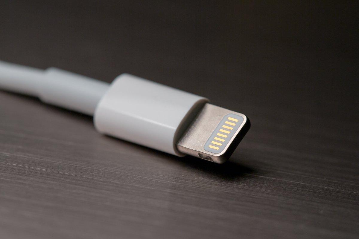 O Lightning connector foi criado exclusivamente para os produtos Apple, e acumula agora também a função de ligar os auscultadores