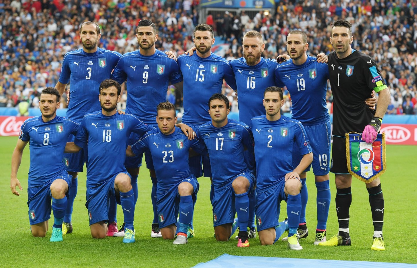 PARIS, FRANCE - JUNE 27: Italy players line up for the team photos prior to the UEFA EURO 2016 round of 16 match between Italy and Spain at Stade de France on June 27, 2016 in Paris, France. (Photo by Matthias Hangst/Getty Images)