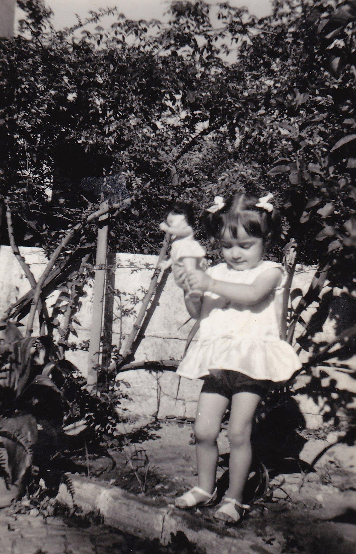 Quando era pequena, brincava muito com bonecas