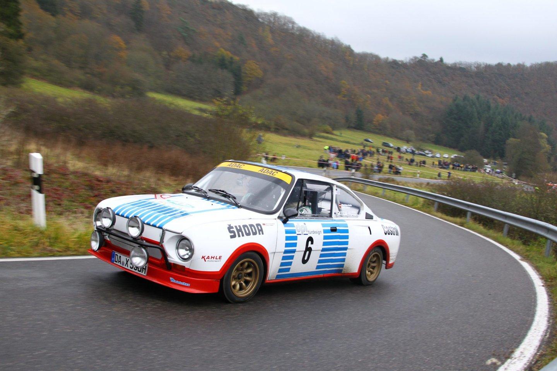 Pela mão do norueguês John Haugland, o 130 RS triunfou na sua classe nos ralis de Monte Carlo e da Acrópole em 1977