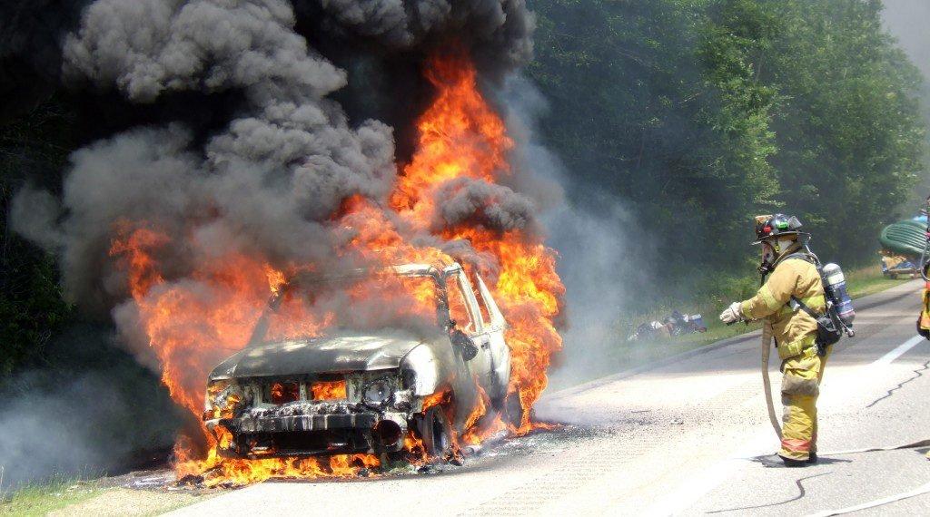10-incêndio no carro