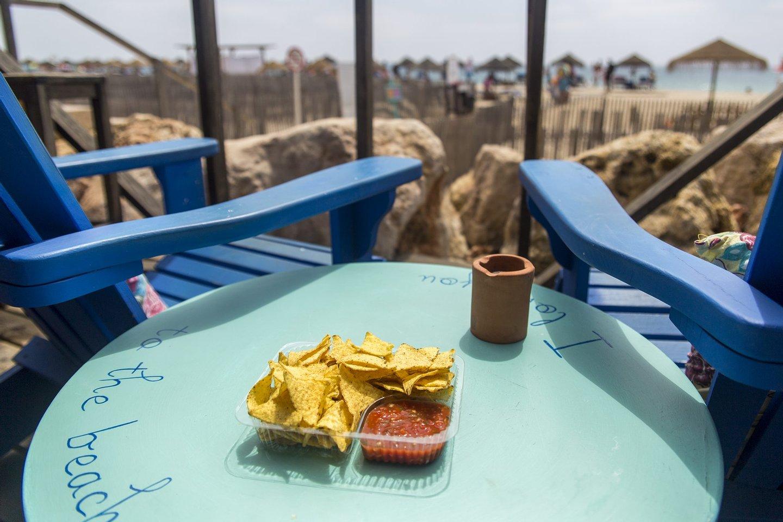 maramais, roteiro algarve, bar, bar da praia, praia da ilha do farol, petiscos, comida, algarve,
